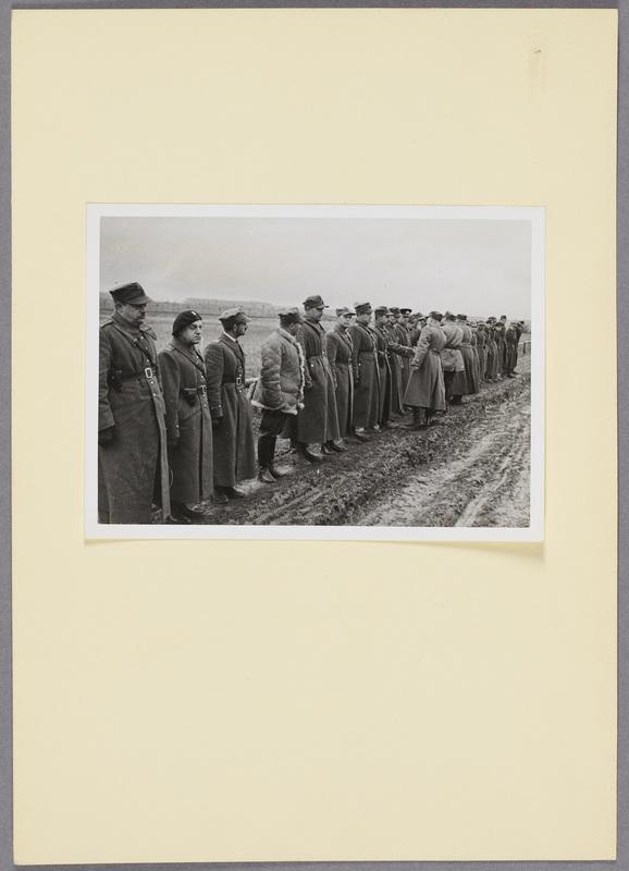 General Kleeberg und polnische Soldaten, recto