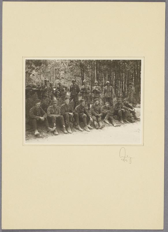 Polnische Kriegsgefangene und Wehrmachtssoldaten, recto