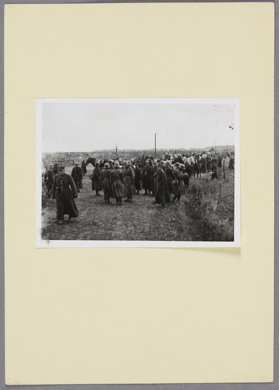 Polnische Kriegsgefangene nach der Schlacht bei Kock, recto