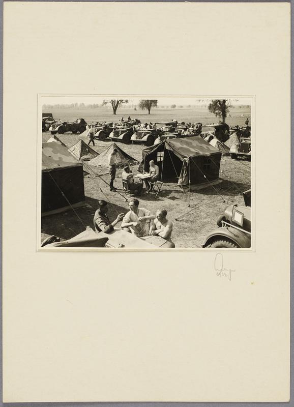 Feldlager der Beobachtungs-Abteilung 13 , recto