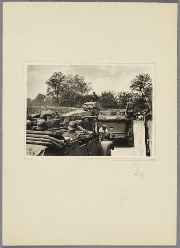 Seeligers Einheit begegnet einem deutschen Panzerspähwagen auf einer Landstraße, recto
