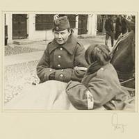 Zwei gefangene polnische Rotkreuzschwestern