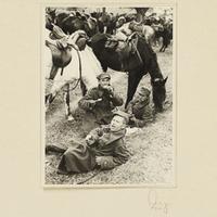 Gefangene polnische Kavalleristen bei der Rast