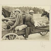 Polnische Kriegsgefangene auf einem Fuhrwerk